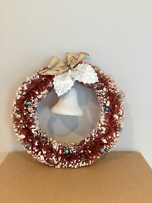 """Vintage Bottle Brush Christmas Wreath - 8"""" Red With Bell"""