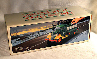 1985 Hess Toy 1933 Fuel Oil Delivery Truck Bank Orig Box Compl w inserts MINT