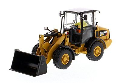 CAT Caterpillar 906M Compact Wheel Loader with Operator High Line Series 1/50 by