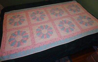 VINTAGE HANDMADE PATCHWORK COTTON BABY LAP WALL QUILT~DRESDEN PLATE 45 x 73 A+