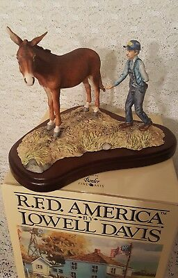 "Lowell Davis 1989 ""Tricks Of The Trade"" RFD America  Figurine Signed/Numbered"