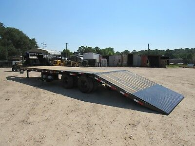 32'--Gooseneck--Hydraulic Dove Tail--2/10,000 --Axles--Load Trail--Brand New