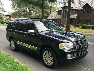 2012 Lincoln Navigator  2012 Lincoln Navigator Fully loaded Clean black