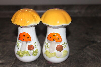 Laurentian Pottery Canadian LP Mushroom Salt and Pepper Shakers Cork Bottoms
