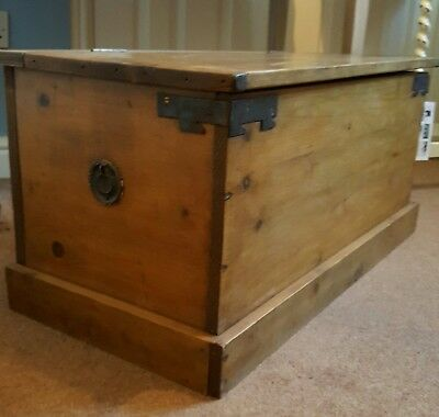 Pine Chest Trunk Antique Blanket Box Coffee Table Storage