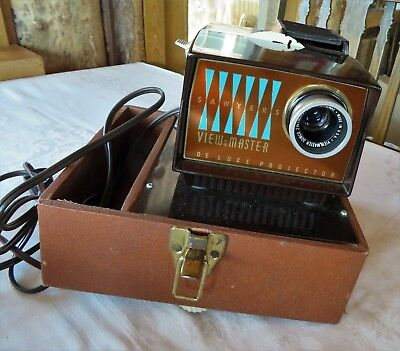 Sawyers View-Master Deluxe Projector in Case Vintage