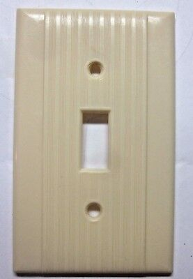 Vintage Reliance  Switch Wall Plate Cover Ribbed Lines Beige Bakelite Art Deco