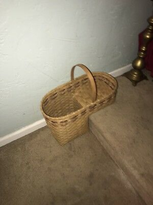 Vintage Large Woven Wicker Stair Step Basket With Handle EUC