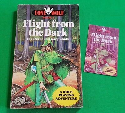 Flight From The Dark ***VGC 1st EDITION!!*** Joe Dever Lone Wolf Sparrow #5