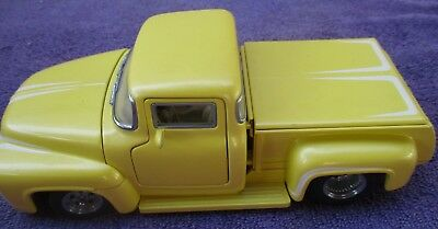 Danbury Mint  1956 Ford F-100 STREET MACHINE 1:24  '56 pickup truck