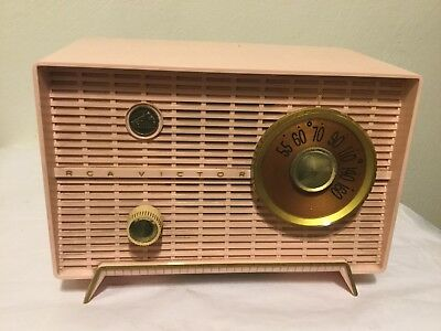 Vtg RCA VICTOR PINK Tabletop Tube Radio Works! Model 8-X-5F