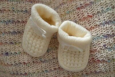 Baby clothes GIRL premature/tiny<7.5lb/3.4kg soft cream acrylic bootees SEE SHOP