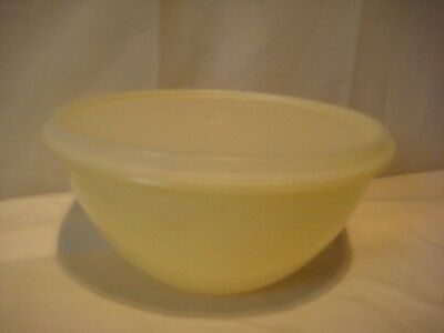 Tupperware Wonderlier Pastel Yellow X Bowl 235-21 Shear Lid 228-4