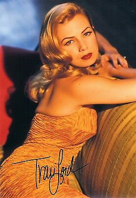 OFFICIAL WEBSITE Traci Lords Sexy Glamour Pin-up 8x10 Glossy Photo AUTOGRAPHED