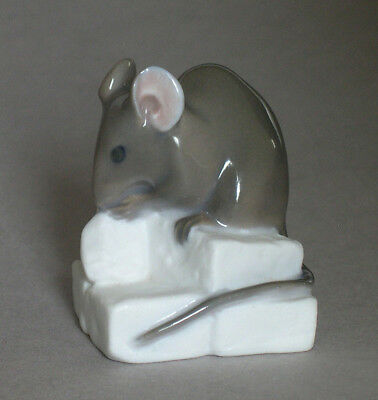 Vintage Royal Copenhagen MOUSE ON SUGAR CUBE #510 ~ Erik Nielsen