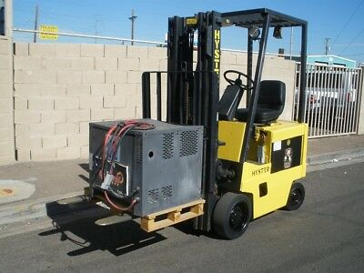 Hyster E30Xl Electric Forklift & Charger New Battery Only 1484 Hrs.