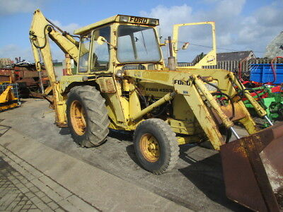 Ford 4550 Digger With Back Actor And Bucket