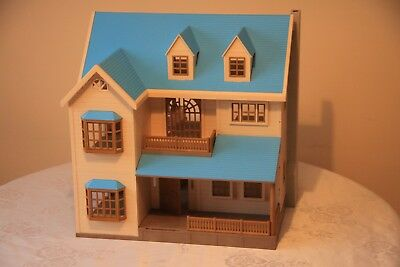 Sylvanian Oakwood Manor House - Blue roof - Great Condition -  Low start price