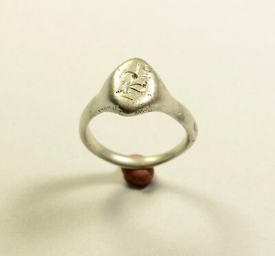 MASSIVE ANCIENT ROMAN SILVER RING WITH DECORATED BEZEL - WEARABLE 6 grams.