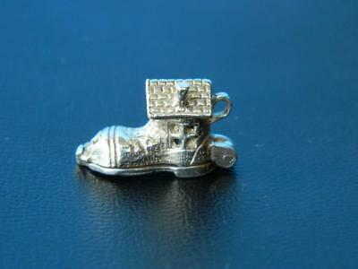 SOLID STERLING SILVER NUVO OLD WOMAN LIVED IN A SHOE BRACELET CHARM VINTAGE 70s