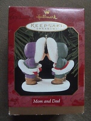 Hallmark Frosty Friends Christmas Ornament Mom and Dad Eskimo kisses Kissing NIB