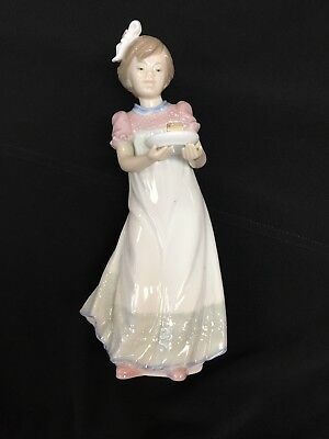 Lladro Happy Birthday Girl 5429 Retired- Cake Plate & Bow Intact, Exquisite Gift