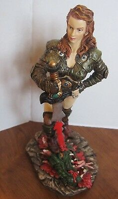 RED HAIRED WOMEN DRAGON SLAYER Myths & Legends 10 inches Very Rare!!! With Box