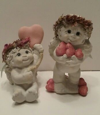 2 Dreamsicles Angel Figurines Hand full of Hearts/Heart Balloon Cast Art