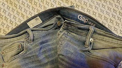 Women's GAP 1969 resolution slim straight distressed  jeans Size 32s nwot