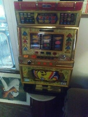 Vintage quarter/Slot Machine works as should man cave gambling bar room