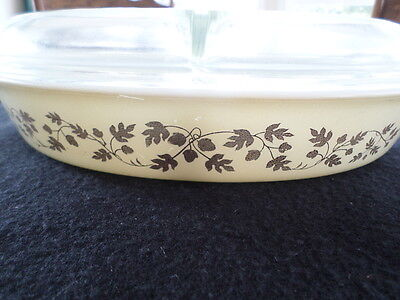 Vintage Pyrex Hard To Find Cream With Gold Leaf 1 1/2 Qt Split Casserole W/Lid
