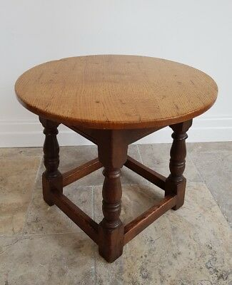 Titchmarsh and Goodwin Coffee/Side Table in Solid English Oak - FREE DELIVERY*