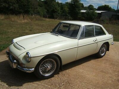 MGC GT Snowberry White 1969