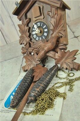 VTG Wooden Cuckoo Clock Leaf & Pine Cone Design Rack Strike Movement Decorative