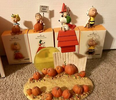 Hallmark Linus And The Great Pumpkin Patch