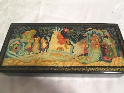 """Vtg Large 9"""" Hinged Russian Lacquer Box Scenic Signed"""