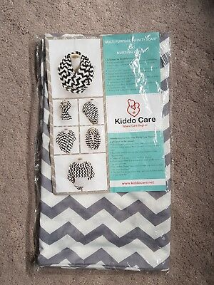 BRAND NEW Feeding Privacy Scarf (grey zig zag)