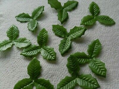 50 SMALL triple HOLLY silk LEAVES/CRAFTS/DECORATION/WEDDING/FLOWERS/CHRISTMAS