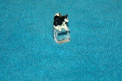 2004 Hallmark Miniature Ornament - Ice Block Buddies #5