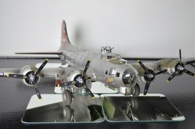 Boeing B-17G Flying Fortress - 1/32 Hk Models, Eduard & more - PRO BUILT!