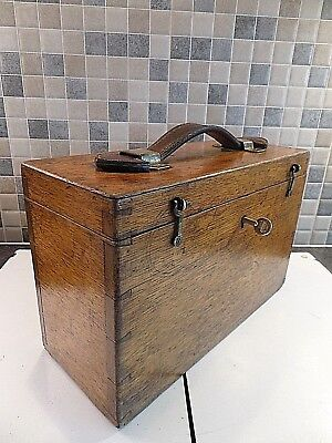 VICTORIAN 19thC SOLID OAK STORAGE BOX WITH LEATHER HANDLE- LOCK & KEY + CATCHES