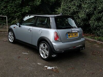 2005 Mini Cooper 1.6 Petrol In Silver And Gloss Black Roof With Racing Stripes
