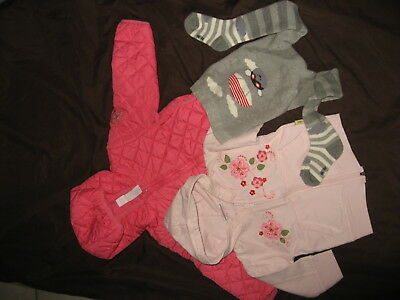 2 vestes filles occasion  + collant neuf- taille 18 / 24  mois