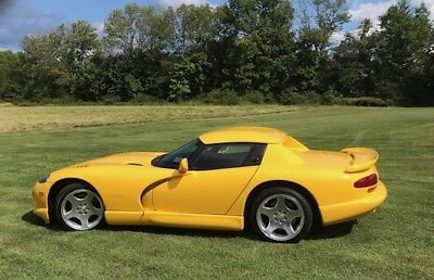 2001 Dodge Viper yellow 2001 Dodge Viper