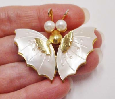 Lovely Vintage Butterfly Pin W/mother Of Pearl Wings & Faux Pearl Eyes Gold Tone