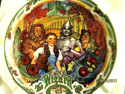 """Wizard of Oz """"We're Off To See The Wizard"""" Musical Plate"""