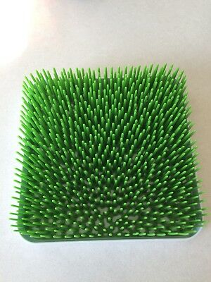 Boon Grass countertop Drying Rack with White Tray, Excellent Condition.