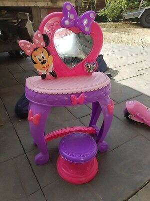 Minnie Mouse Vanity Beauty Station. Musical Lights