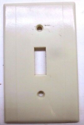 Vintage Leviton Switch Wall Plate Cover 2 Vertical Lines Beige Art Deco Bakelite