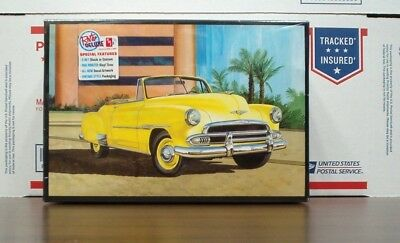 Chevy 1951 Convertible 2n'1 Customizing kit 1:25 scale AMT Retro Edition